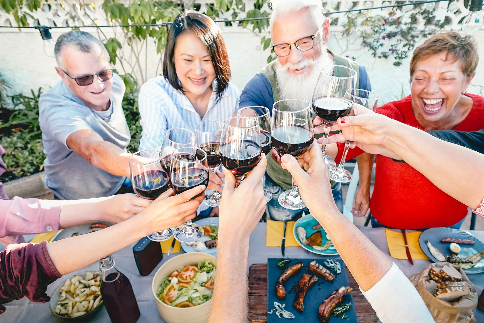 What hormones imbalance causes hot flashes- wine as a trigger