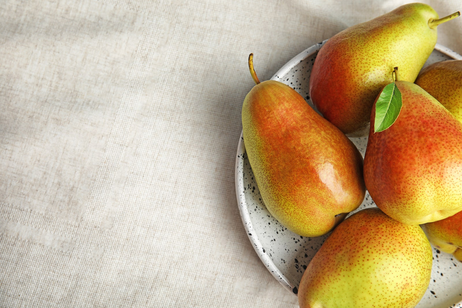 Stress eating for hormones pears on plate