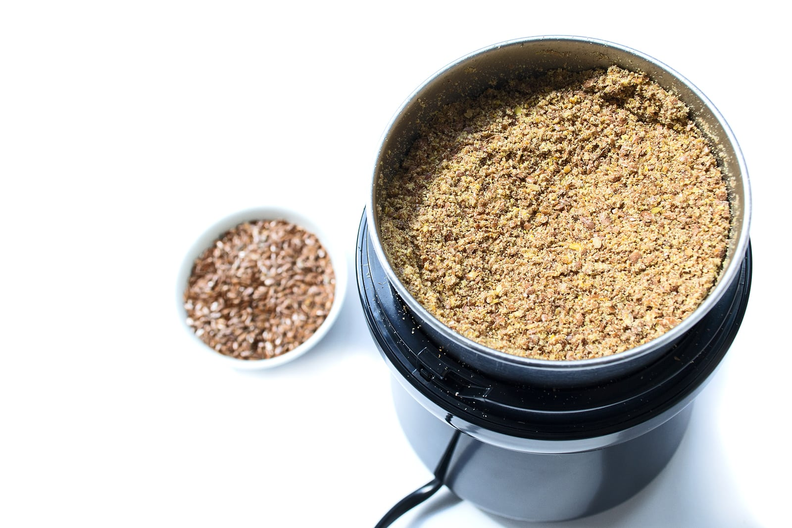 Seed-cycling-hormones-flax-seeds